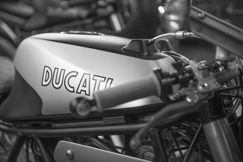 Нео кафе рейсер Ducati Racer 5