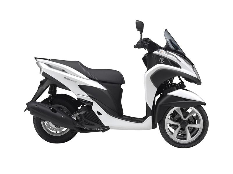 Скутер-трицикл Yamaha Tricity 2014