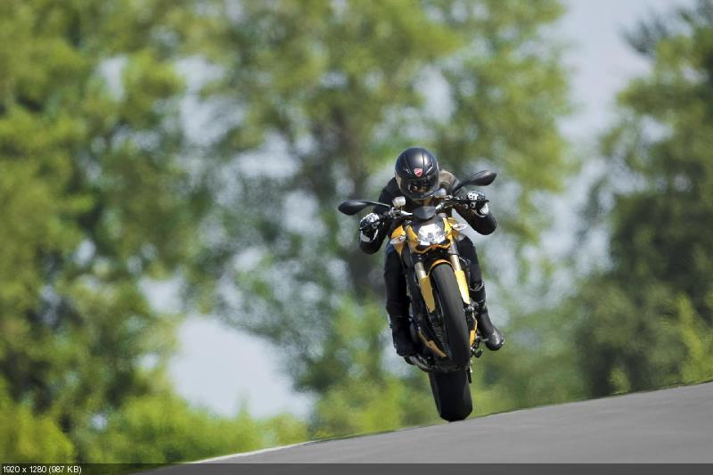 Фотографии мотоцикла Ducati Streetfighter 848 (2012)