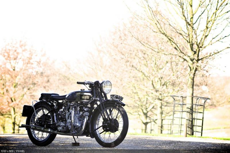 Ретро мотоцикл Vincent HRD Series A Rapide 1939