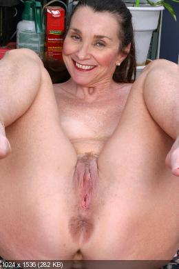 Anal Solo Mature 87