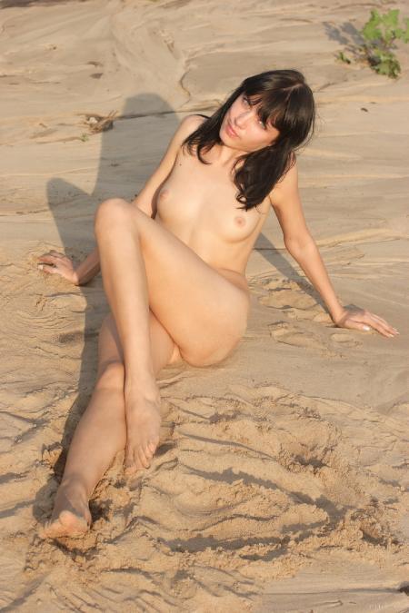 EroticBeauty: Dinara D. - Presenting 2