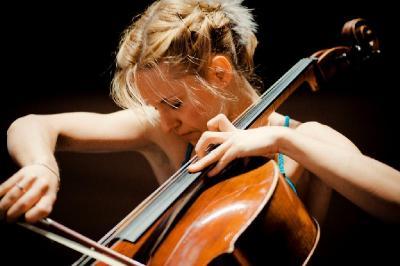 Sol Gabetta (violoncello) – Shostakovich, Rachmaninov (Munchner Philharmoniker, Lorin Maazel, Olga Kern) / 2012 Sony