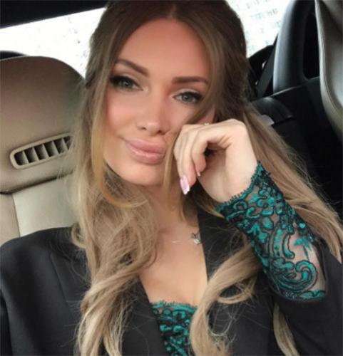 Евгения Феофилактова с шиком обустраивает новую квартиру