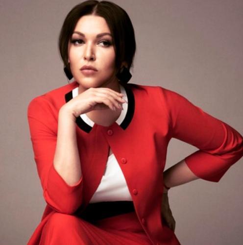 Ирина Дубцова призвала поклонников обсуждать ее грудь